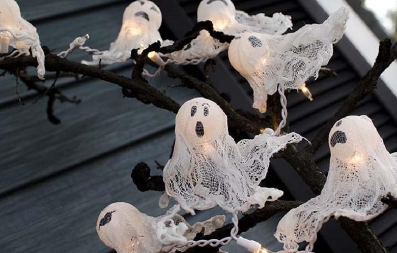 Διακοσμητικά φαντάσματα για το Halloween