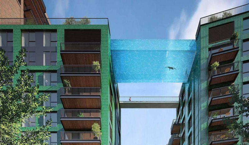 Μία πισίνα... γέφυρα στο Νότιο Λονδίνο