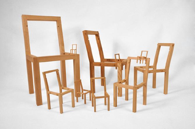 Μία καρεκλά μέσα σε μια καρέκλα μέσα σε μια καρέκλα