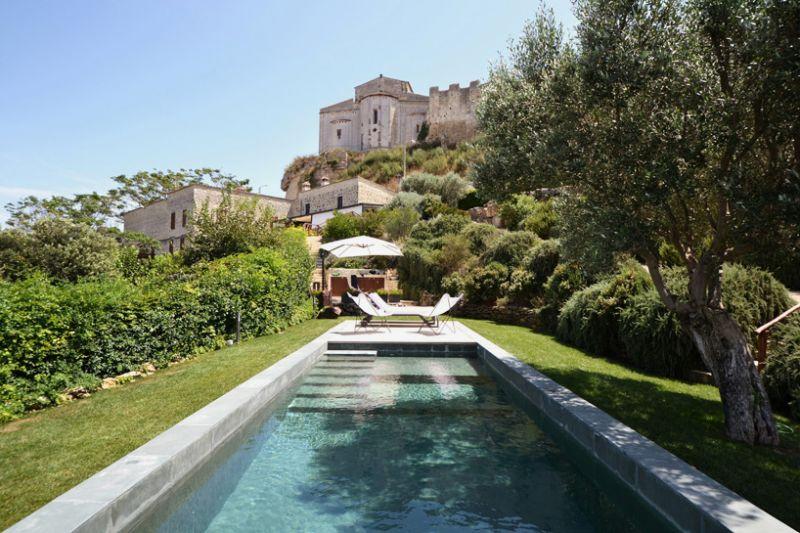 Μία «Fontanile» πισίνα από την LAD
