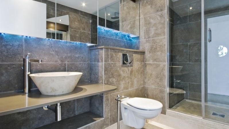 Μπάνιο για λίγους και... ακριβούς!