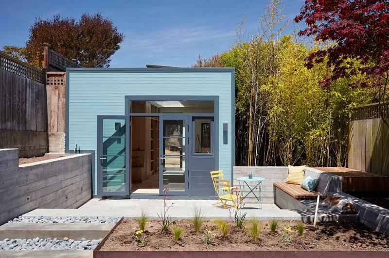 Ένα σπίτι- γκαράζ που μετατράπηκε σε στούντιο ζωγραφικής!