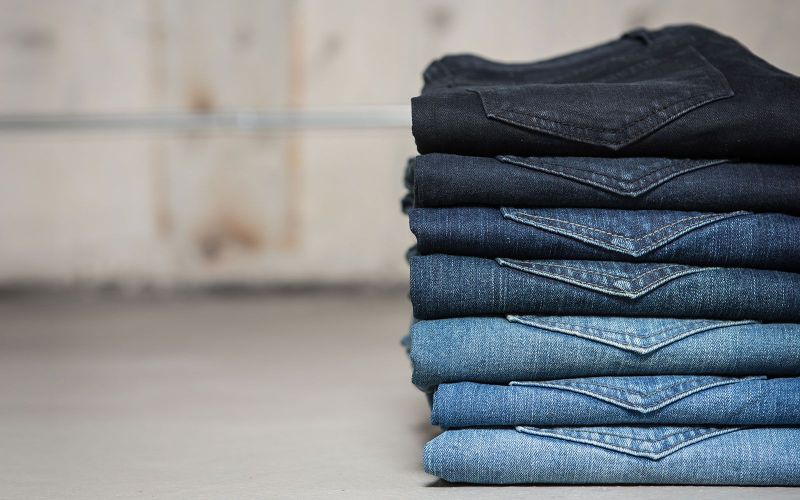 Ποιο χρώμα jean ταιριάζει σε κάθε περίσταση